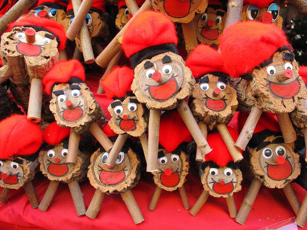 Figurka Tio to charakterystyczny element świąt w Barcelonie